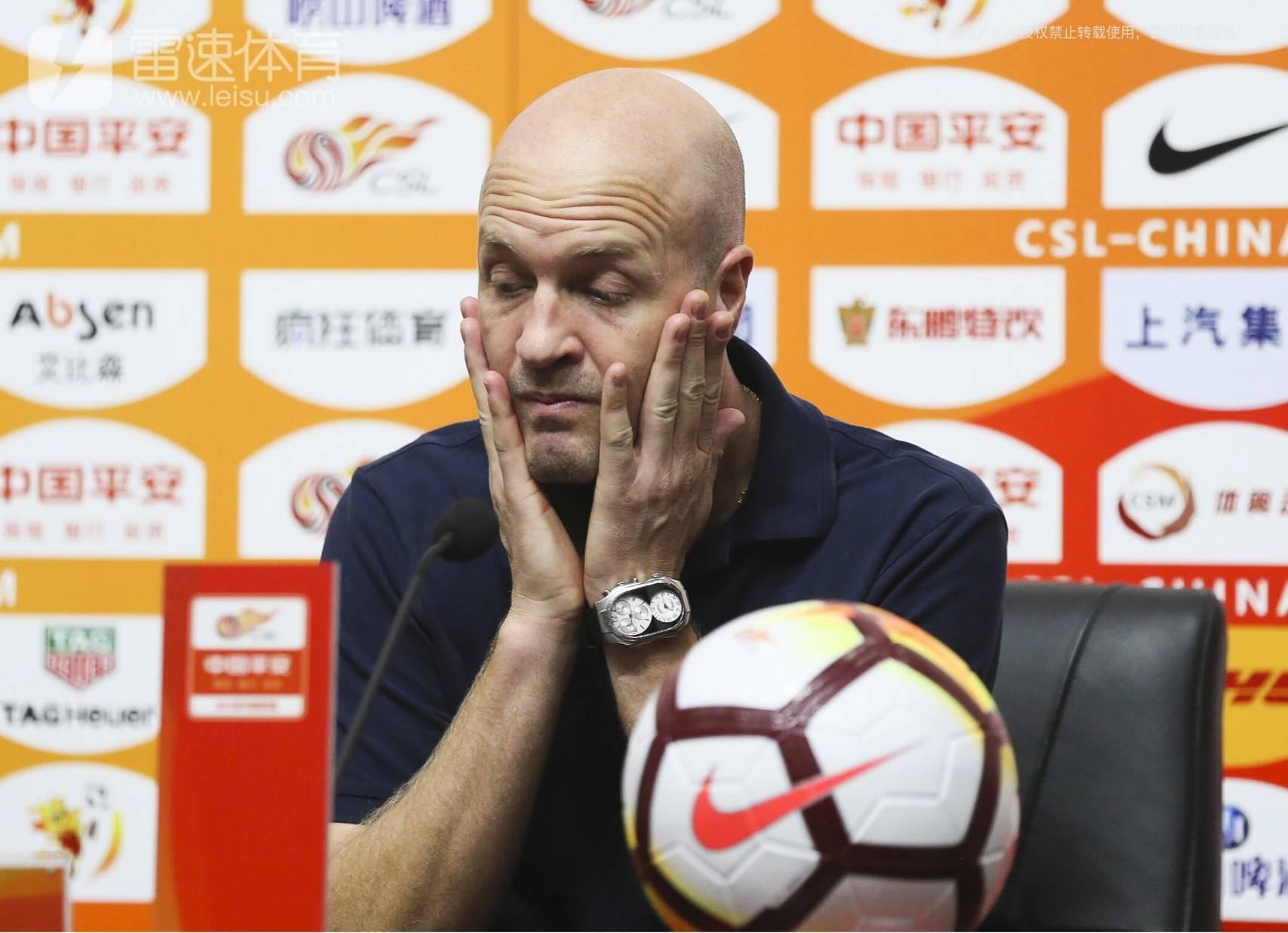 深圳佳兆业主教练小克鲁伊夫