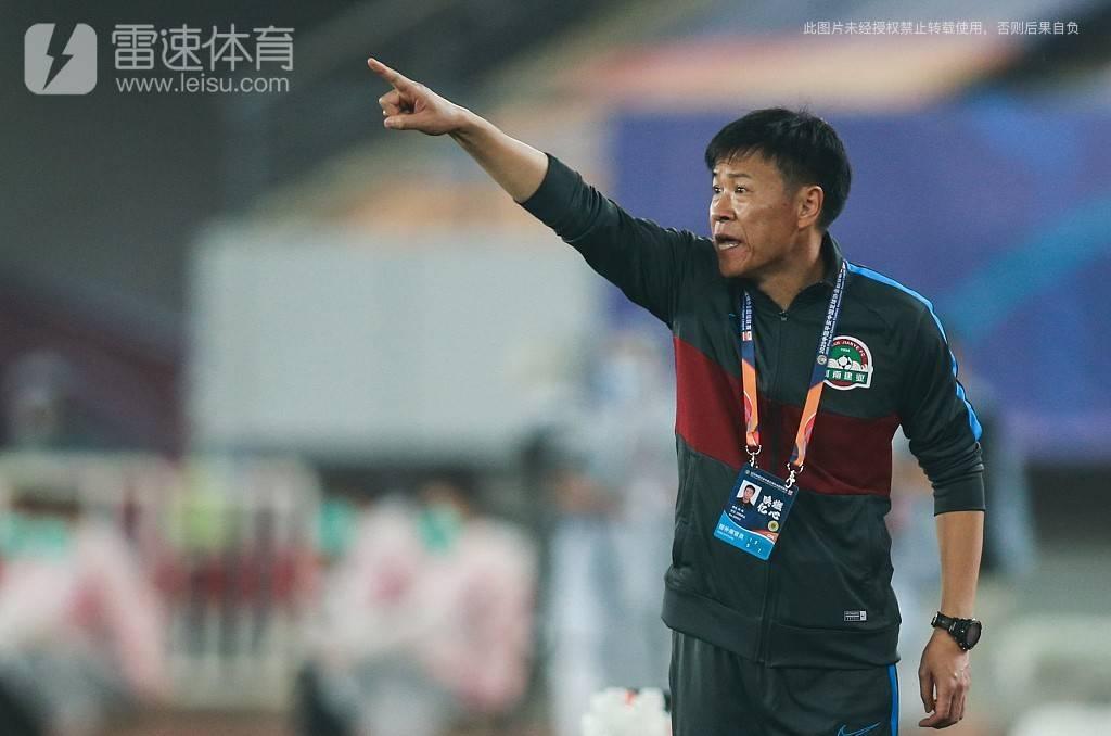 河南建业教练组组长杨戟