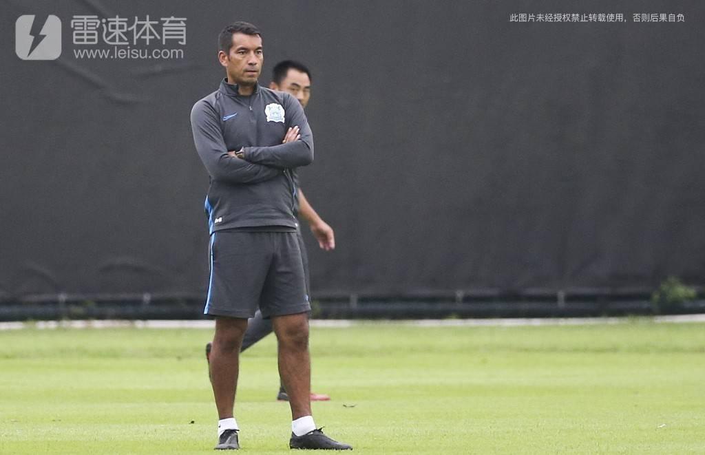 广州富力主教练范布隆克霍斯特