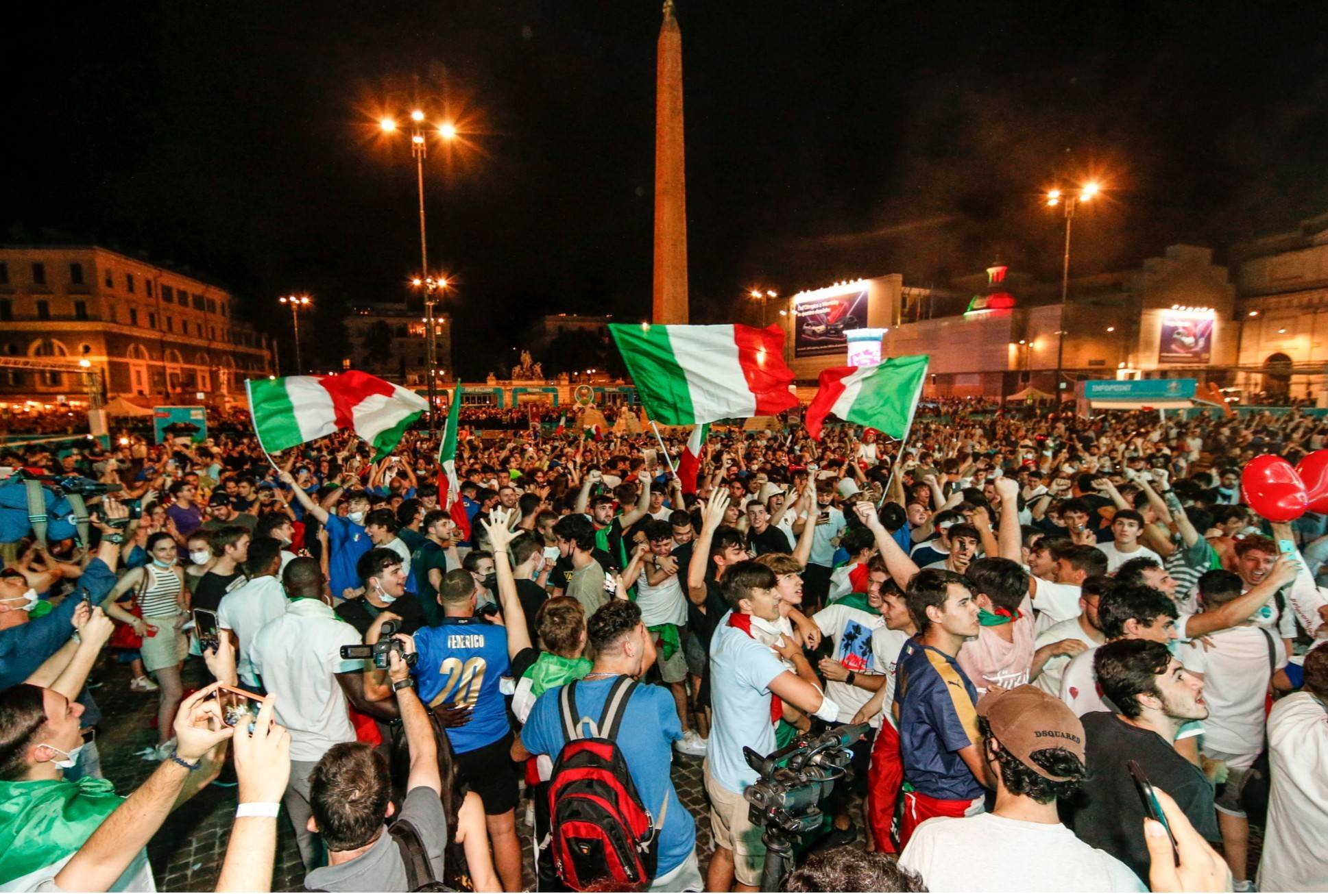 图片报将有1万名意大利球迷前往现场为球队加油助威