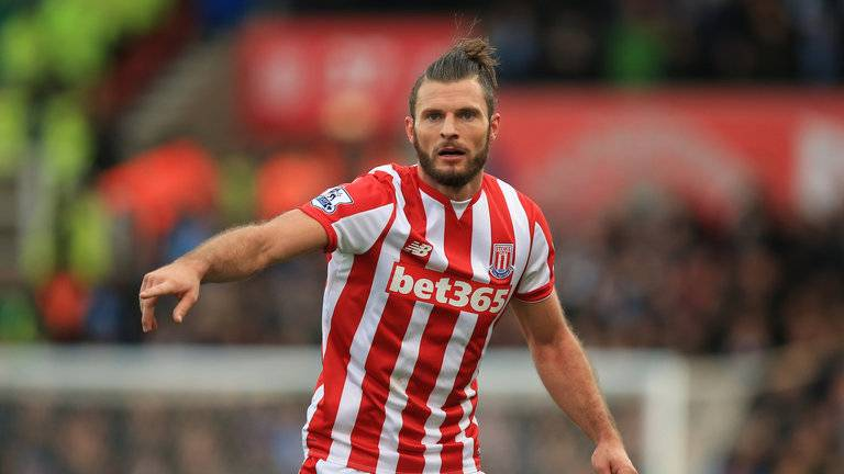 erik-pieters-stoke-city-match-action_3386371.jpg