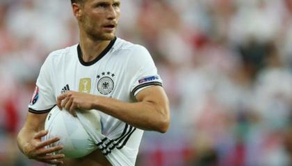 官方:德国世界杯冠军成员赫韦德斯宣布退役