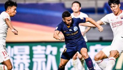 中超战报:深圳佳兆业2-0广州富力,戴伟浚收获中超首球