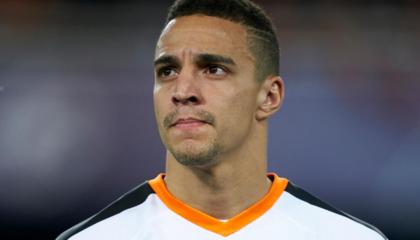 官方:瓦伦西亚球员罗德里戈正式加盟利兹联