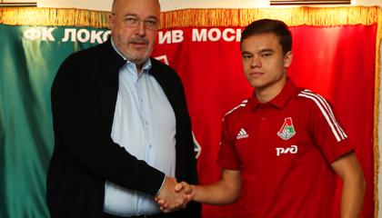 官方:莫斯科火车头与中场球员德米特里·雷布钦斯基续约四年