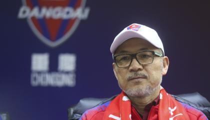 重庆当代主教练张外龙:每场比赛都会全力以赴,会给更多球员出场机会