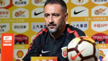 上海上港主教练佩雷拉:阿瑙托维奇可以出战,本场比赛将进行人员轮换
