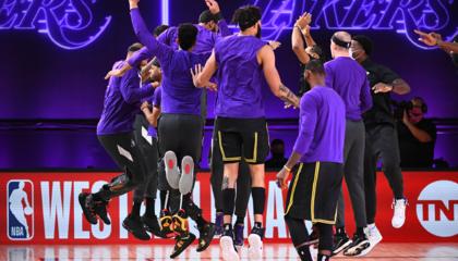 NBA战报:浓眉三分绝杀丹佛掘金 西决系列赛洛杉矶湖人2-0领先