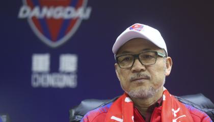重庆当代主教练张外龙:球队已经做好面对困难的准备,阿德里安离队对进攻端有影响