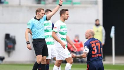 汉堡后卫莱斯特纳红牌停赛,将缺阵2场德乙
