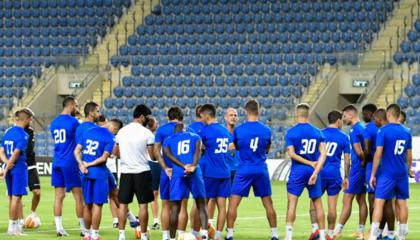 贝尔谢巴夏普尔主教练和6名球员感染新冠,目前暂无比赛延期通知