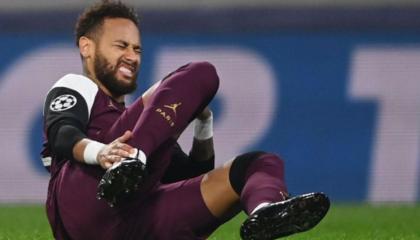 巴黎人报:内马尔因内收肌受伤将缺战三场比赛