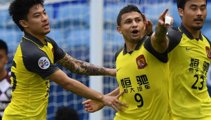 亚冠战报:广州恒大2-0神户胜利船,艾克森世界波破门