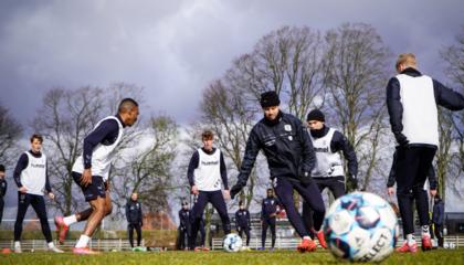 丹麦超前瞻:奥胡斯延续攻势足球,兰德斯2主力回归