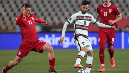 葡萄牙中场B费累积黄牌停赛,已离队返回曼联