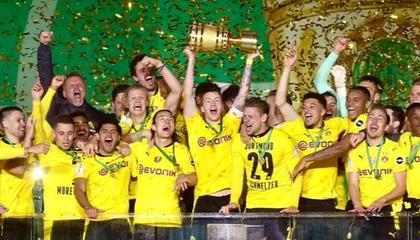 早报:多特时隔4年再夺德国杯冠军;残阵皇马迎大胜;曼联苦吞两连败