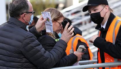 英国推出COVID护照,下赛季英超将大面积开放球迷