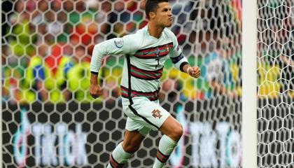 那个男人!C罗点球破门 葡萄牙2-0领先