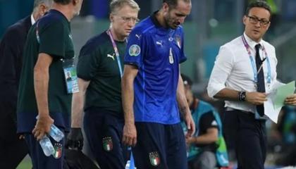 意媒:基耶利尼左腿屈肌挛所,将接受进一步检查