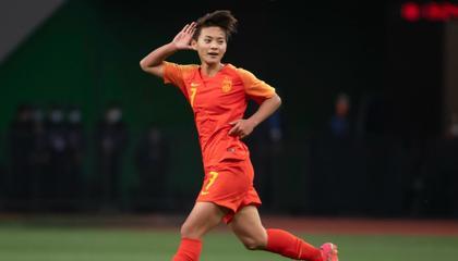 半场战报:王霜23分钟戴帽,中国女足3-2领先赞比亚!
