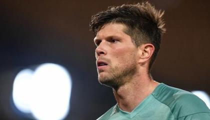 荷媒:38岁荷兰前锋亨特拉尔决定退役