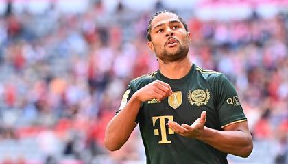 波鸿球员上演离奇乌龙,拜仁半场4-0大比分领先