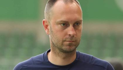 基尔主教练奥雷维尔纳下课,德乙已有三队换帅